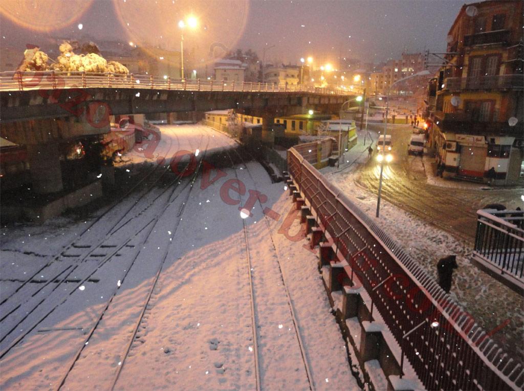 http://i41.servimg.com/u/f41/09/01/02/20/neige120.jpg