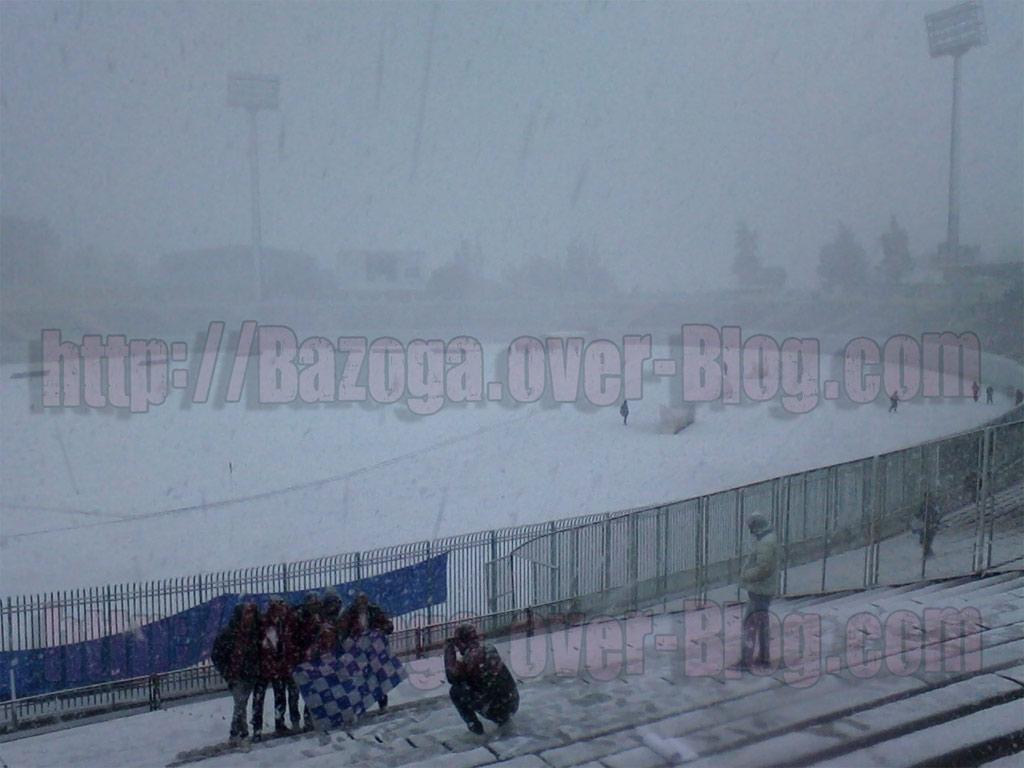 http://i41.servimg.com/u/f41/09/01/02/20/stade310.jpg