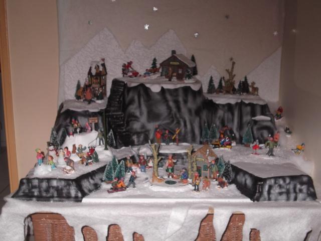 Petit Sujet Decoration Pour Village De Noel