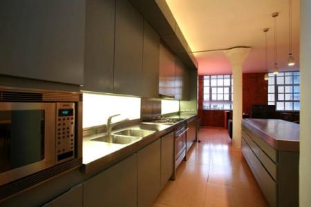 L 39 appartement loft de clark kent - Cuisine etroite et longue ...