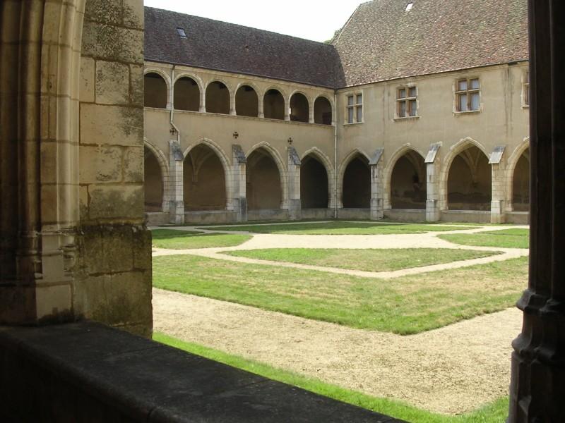 Cloître du monastère royal de Brou