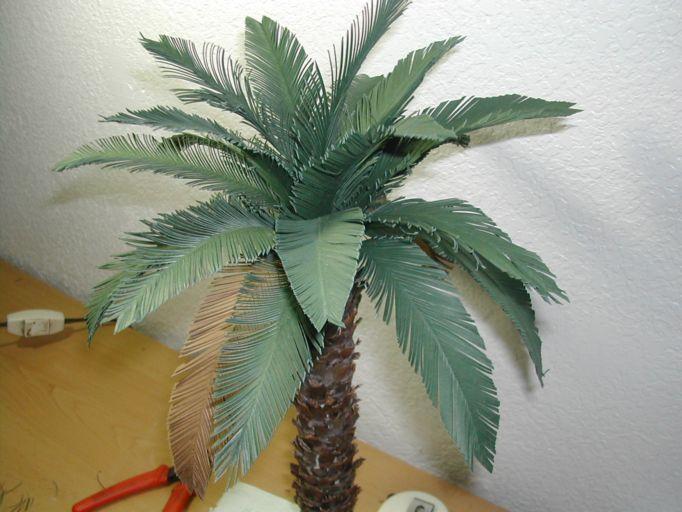 Palmera de material reciclado palmeras construcci 243 n b - Palmeras de plastico ...