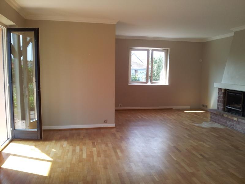 Besoin d 39 aide pour la couleur des murs de mon futur salon - Peindre un mur de couleur dans un salon ...