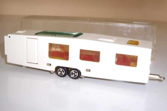 modele 370 la caravane r sidentielle. Black Bedroom Furniture Sets. Home Design Ideas