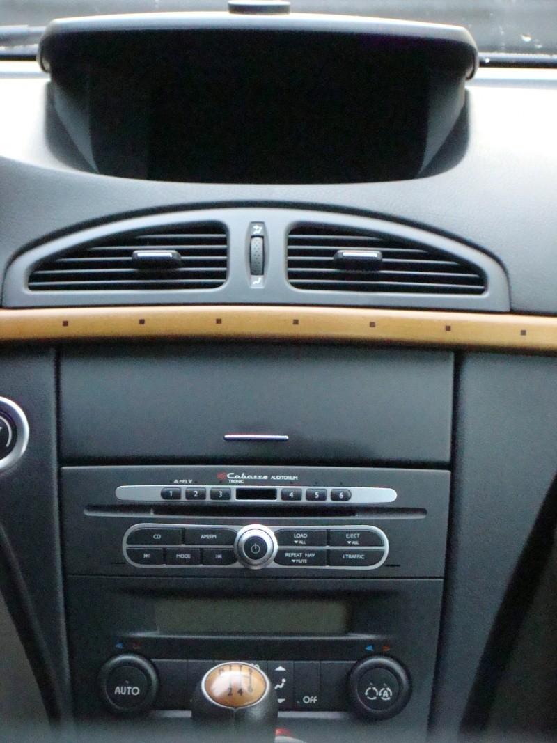 Les diff rents mod les d 39 autoradio cabasse dans nos renault for Radio pour ouvrir une porte
