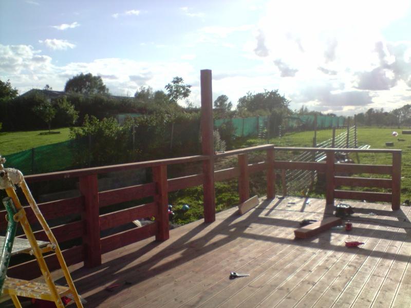 construction d 39 un garde corp et d 39 une pergola sur terrasse forum jardin assainissement vrd. Black Bedroom Furniture Sets. Home Design Ideas
