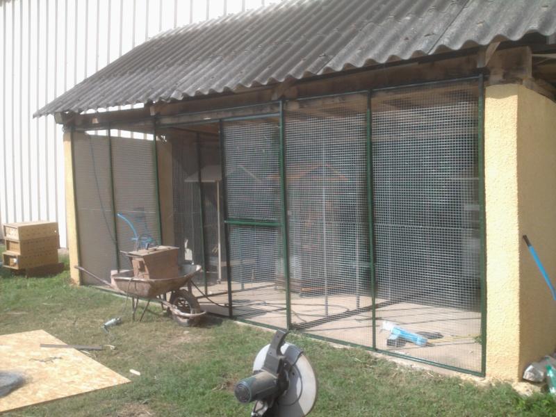 Voli re en construction jacquotte for Voliere interieur pour perruche