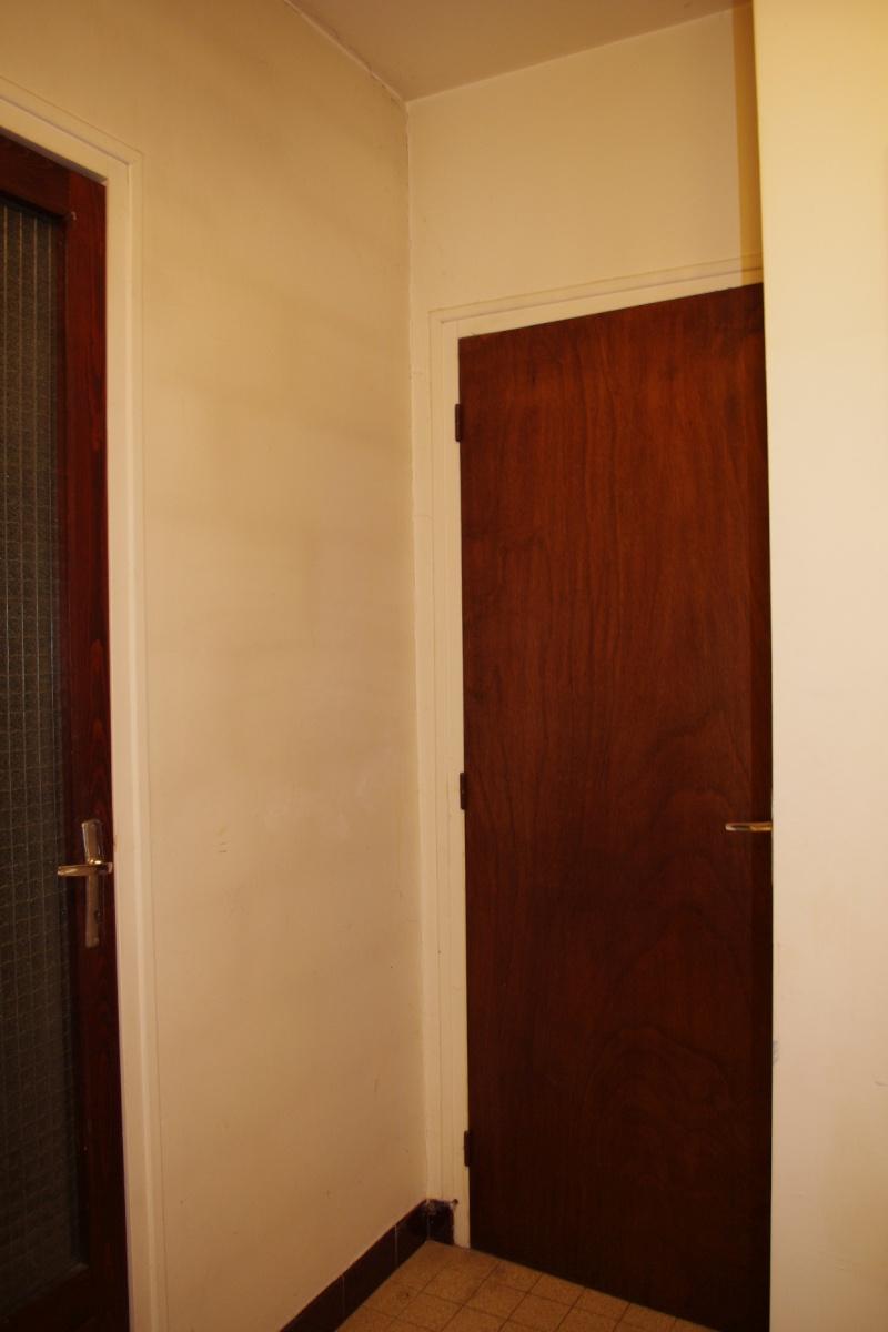 D gagement vers chambre et garage peindre help couleurs for Couleur porte et encadrement