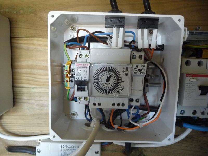 Branchement boitier hors gel gelelec littlebolide for Tableau electrique pour piscine